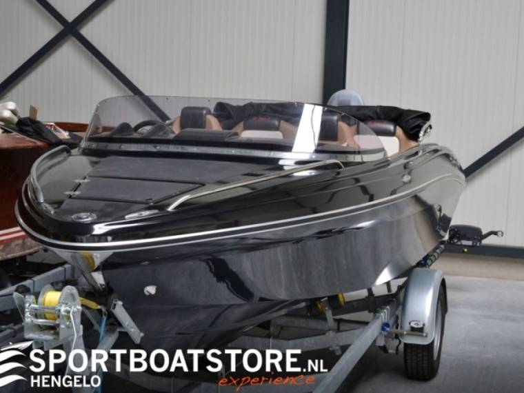 B1 Yachts St. Tropez 5 Black Edition