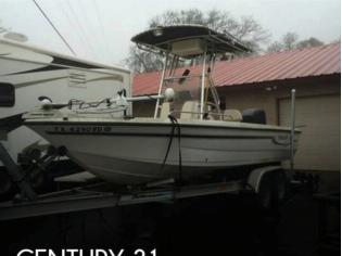 Century 2101 CC Bay Boat