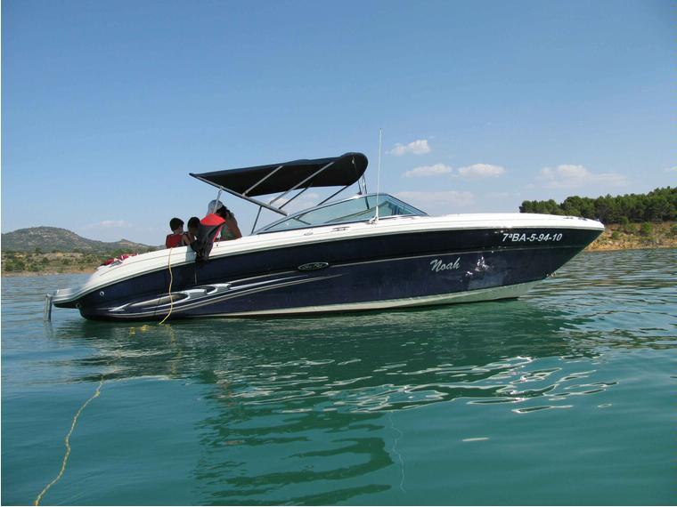 sea ray 220 select en madrid embarcaciones abiertas de ocasi n 70576 cosas de barcos. Black Bedroom Furniture Sets. Home Design Ideas