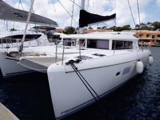 Lagoon 421 Owners