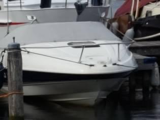 Bayliner 2052
