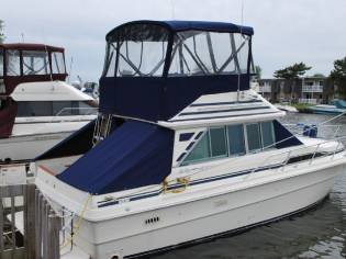 Sea Ray 34 Sedan Bridge