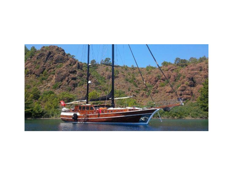 LUXURY GULET WITH 6 CABINS