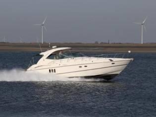 Cruisers Yachts 500 Express