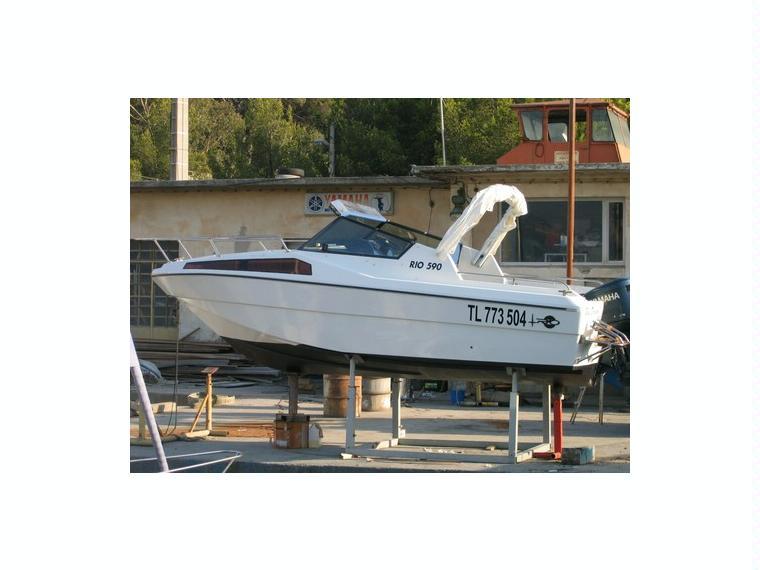 Rio 590 cabine en var barcos a motor de ocasi n 52481 for Cabine del fiume bandera