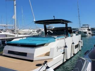 De Antonio Yachts D42 Open