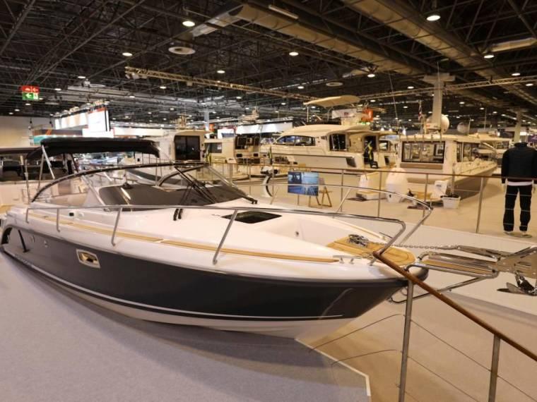 25 DC Ausstellungsboot