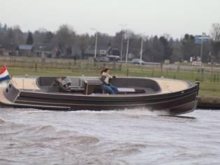 Van Vossen 700 Sport Tender