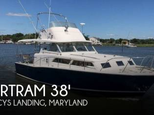 Bertram 38 Flybridge Cruiser