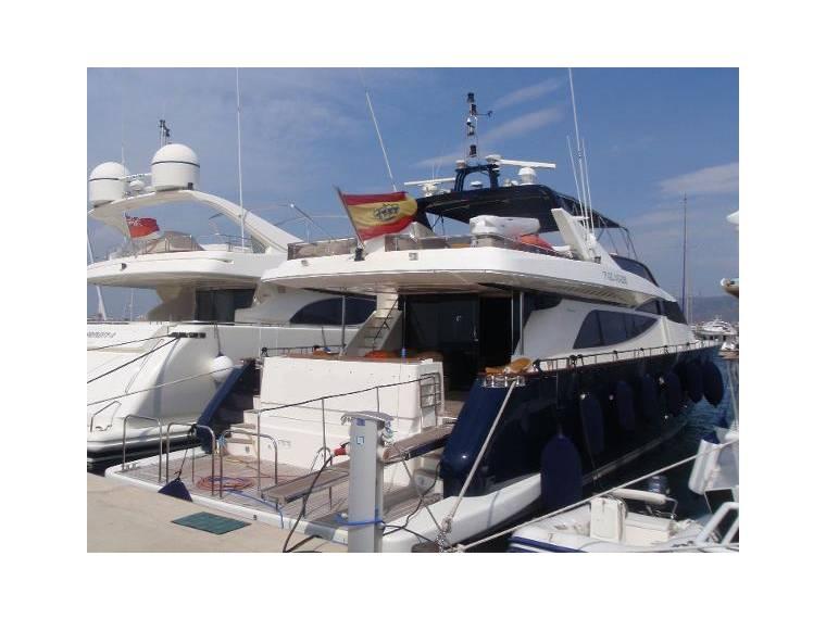 2800 Long Range Yacht