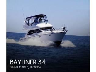 Bayliner 3488 Command Bridge