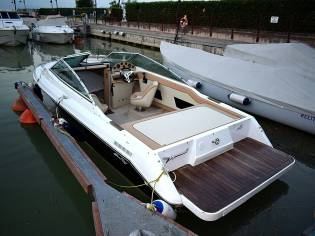 SEA RAY 200 COME NUOVA
