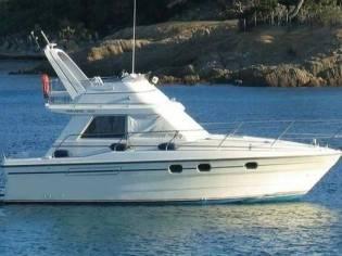 Princess Yachts 330 Fly