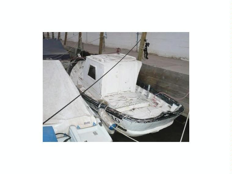 Embarcaci n cabinada madera en cn cullera barcos a motor - Taxi puerto de santa maria ...