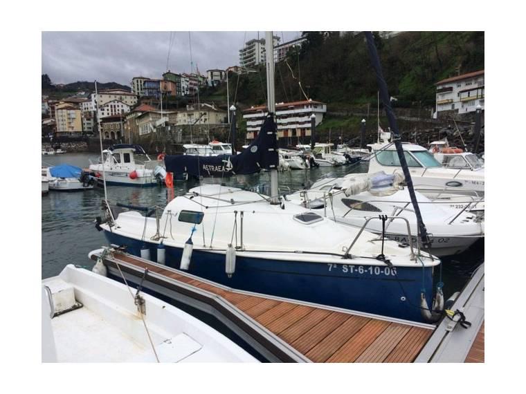 Barco Velero ASTRAEA