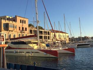Phisa Catamaran 84'