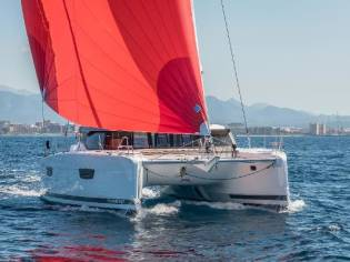 Fountaine Pajot Astrea 42