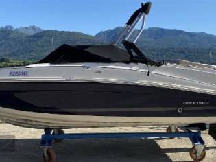 Bayliner VR5 BOW RIDER