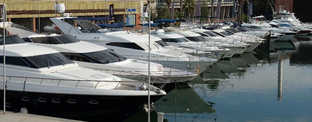 Yachts Bank Foto 1