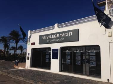 privilege-yacht-60800040162653514870546752684565.jpg Fotos  0