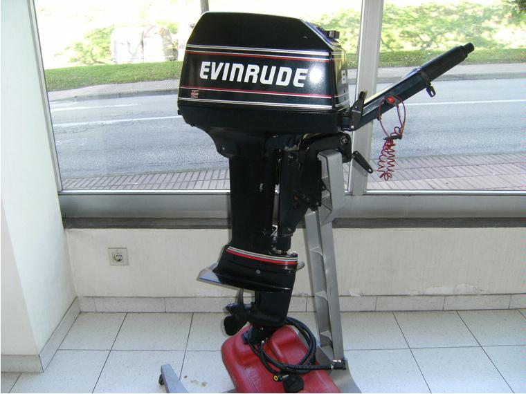 Motor evinrude 8hp de segunda mano 48686 cosas de barcos for 10 hp motor weight