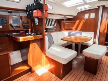 Beneteau oceanis clipper 393 / acepto barco