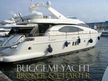 azimut 74 solar in ligurien motorboote preisg nstig 28941. Black Bedroom Furniture Sets. Home Design Ideas