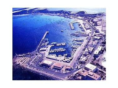 http://imagenes.cosasdebarcos.com/puertos/7/1/7/0/marina-de-formentera-63665020111650705051536657494567g.jpg